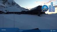 Archived image Webcam Lermoos Grubigstein Ski Resort: Grubig II Gondola 19:00