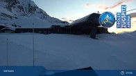 Archived image Webcam Lermoos Grubigstein Ski Resort: Grubig II Gondola 23:00