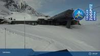 Archived image Webcam Lermoos Grubigstein Ski Resort: Grubig II Gondola 03:00