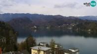 Archiv Foto Webcam Bled: Blick auf See und Burg 09:00