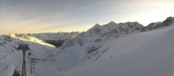 Archived image Webcam Schwarze Schneid Gondola Rettenbach Glacier 02:00