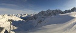 Archived image Webcam Schwarze Schneid Gondola Rettenbach Glacier 04:00