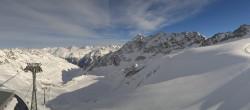 Archived image Webcam Schwarze Schneid Gondola Rettenbach Glacier 06:00