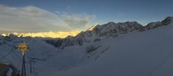 Archived image Webcam Schwarze Schneid Gondola Rettenbach Glacier 10:00