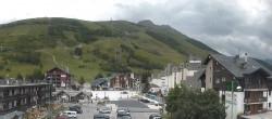 Archived image Webcam Les Deux Alpes (village center) 13:00