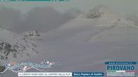 Archiv Foto Webcam Stilfserjoch: Blick auf die Gletscherpisten 14:00