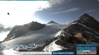 Archiv Foto Webcam Trincerone: Blick auf den Gletscher am Stilfser Joch 02:00