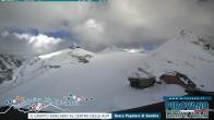 Archiv Foto Webcam Trincerone: Blick auf den Gletscher am Stilfser Joch 12:00