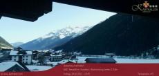 Archiv Foto Webcam Blick auf Neustift und Serles im Stubaital 04:00