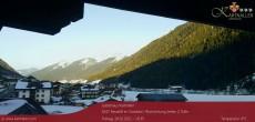 Archiv Foto Webcam Blick auf Neustift und Serles im Stubaital 10:00