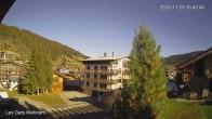 Archiv Foto Webcam Zentrum Les Gets - Blick zur Mont Chery Piste 04:00