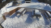 Archived image Webcam Ski Snow Valley Barrie Day Lodge Patio 06:00