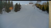 Archived image Webcam Riesneralm - Donnersbachwald: Slope 6er Schuss and chairlift Panorama 02:00