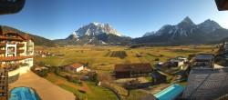 Archiv Foto Webcam Hotel Post Lermoos: Zugspitze 06:00