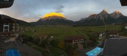 Archiv Foto Webcam Hotel Post Lermoos: Zugspitze 12:00