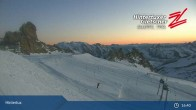 "Archiv Foto Webcam Hintertuxer Gletscher: ""Gefrorene Wand""-Gipfel 15:00"