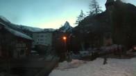 Archiv Foto Webcam Zermatt - Kirche 12:00