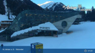 Archived image Webcam Galzigbahn Base Station (St. Anton) 06:00