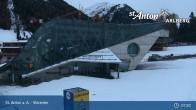 Archived image Webcam Galzigbahn Base Station (St. Anton) 01:00