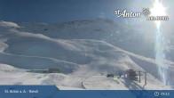 Archived image Webcam St. Anton: Rendl Mountain Restaurant 08:00