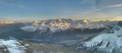 Archiv Foto Webcam St. Moritz / Piz Nair Bergstation 12:00