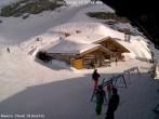 Archiv Foto Webcam Skihütte Stand (2.450 m.ü.M.) 08:00