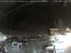 Archived image Webcam La Fouly: Valley station and Auberge des Glaciers 20:00