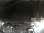 Archived image Webcam La Fouly: Valley station and Auberge des Glaciers 22:00