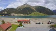 Archiv Foto Webcam Schöneben: Talstation der Bergbahn mit Blick auf Reschensee und Dorf Reschen 08:00