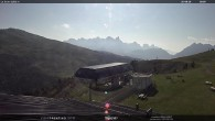 "Archiv Foto Webcam Fassatal - Moena - Ankunft der Gondelbahn ""Valbona le Cune"" 04:00"