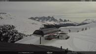 "Archiv Foto Webcam Fassatal - Moena - Ankunft der Gondelbahn ""Valbona le Cune"" 06:00"