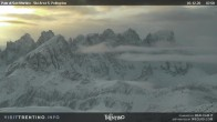 "Archiv Foto Webcam Fassatal - San Pelegrino - Ankunft des Sesselliftes ""Cavia-Col Margherita"" 02:00"
