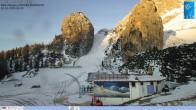 """Archiv Foto Webcam Cortina d'Ampezzo: Berghütte """"Duca d'Aosta"""" und Weltcup-Piste Olympia 02:00"""