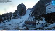 """Archiv Foto Webcam Cortina d'Ampezzo: Berghütte """"Duca d'Aosta"""" und Weltcup-Piste Olympia 12:00"""