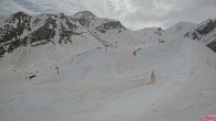 Archiv Foto Webcam Bergstation des Pancani Lifts 04:00