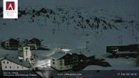 Archiv Foto Webcam Hotel Arlberghaus in Zürs mit Blick auf den Weltcuphang 18:00