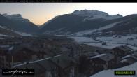 Archiv Foto Webcam Livigno Zentrum 06:00