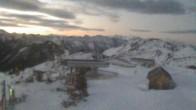 Archiv Foto Webcam Blick vom Feuerkogelhaus auf das Skigebiet 00:00