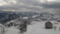Archiv Foto Webcam Blick vom Feuerkogelhaus auf das Skigebiet 06:00