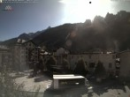 Archived image Webcam City center of Chamonix 04:00