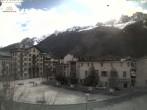 Archived image Webcam City center of Chamonix 04:00