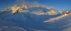 Archived image Webcam Serreche Ratier mountain station 02:00