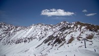 Archived image Webcam Arapahoe Basin: View Snow Plume Refuge 06:00