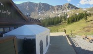 Archiv Foto Webcam Arapahoe Basin: Black Mountain Lodge 02:00