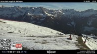 "Archiv Foto Webcam Fassatal - Buffaure - rote Piste ""Valvacin B"" 12:00"