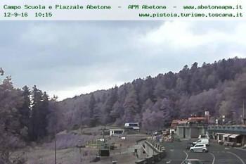 Webcam Abetone Car Park 1386 M Lucca Livecam Live Stream