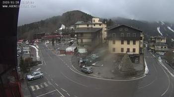 Webcam Abetone Hotel Piramidi 1411 M Lucca Livecam Live Stream