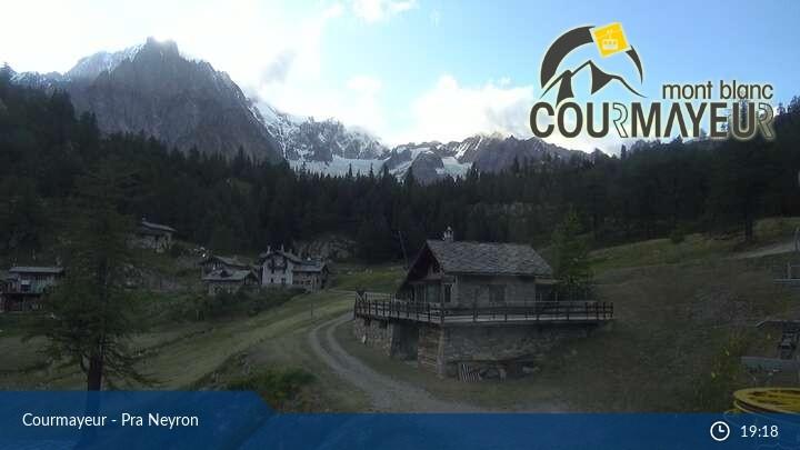 Webcam Courmayeur Pra Neyron Chair Lift Mont Blanc
