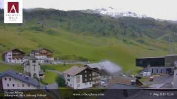 Webcam Hotel Arlberghaus in Zürs mit Blick auf den Weltcuphang