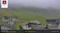 Hotel Arlberghaus in Zürs mit Blick auf den Weltcuphang